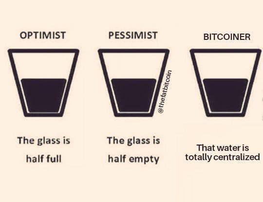 На первой фотографии черной дыры виден биткоин: обзор мемов прошедшей недели