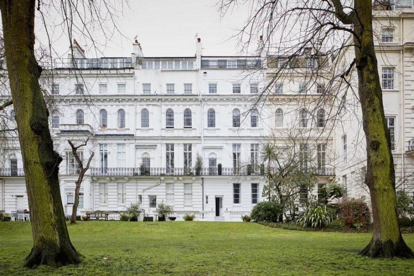 Лев Логинов реализует большой дом встолице Англии забиткоины